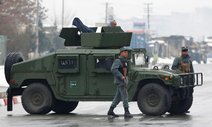 In Kabul, a bomb exploded near foreign embassies: many victims