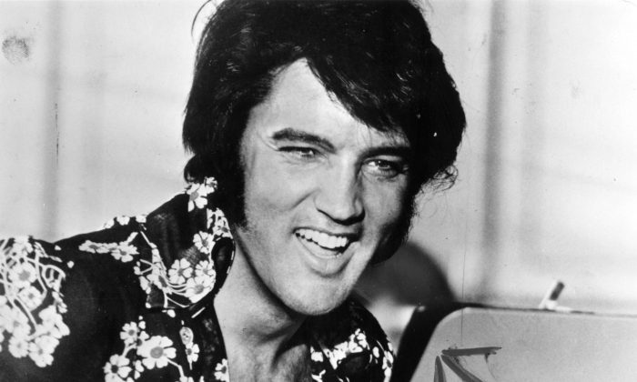 Elvis Presley (1935 - 1977), circa 1975. (Keystone/Getty Images)