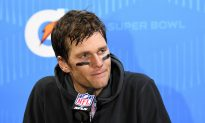 Report: Fan Who Shined Laser on Tom Brady to Face Charges, Banned for Life