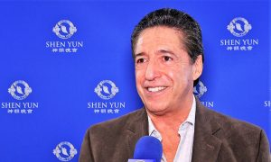 Dental Surgeon Loves Shen Yun: 'I've seen it four times'
