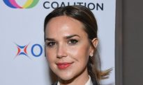 '50 Shades' Actress Arielle Kebbel Asking Public for Help to Find Missing Sister: 'Still Missing'