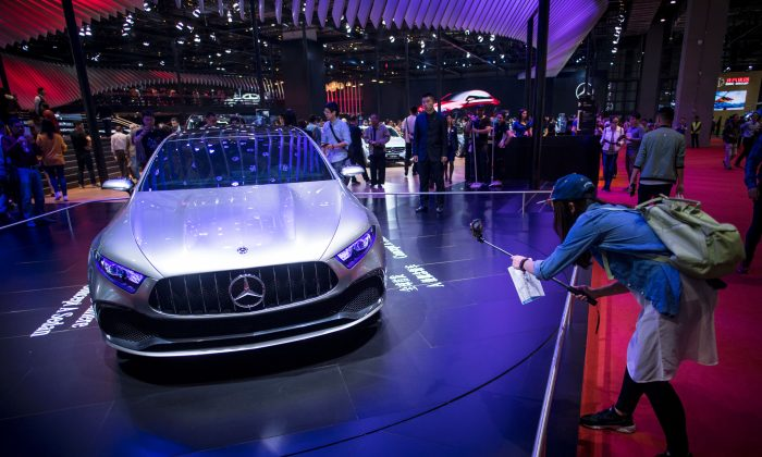 Mercedes-Benz apologizes to Chinese for quoting Dalai Lama