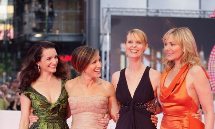 Actresses Kristin Davis, Sarah Jessica Parker, Cynthia Nixon and Kim Catrall arrive at the German premiere of 'Sex And The City' at the cinestar on May 15, 2008 in Berlin, Germany.  (Photo by Andreas Rentz/Getty Images)