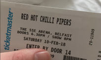 Boyfriend Mistakenly Plans Valentine's Getaway to See Red Hot Chilli Pipers, Not Peppers