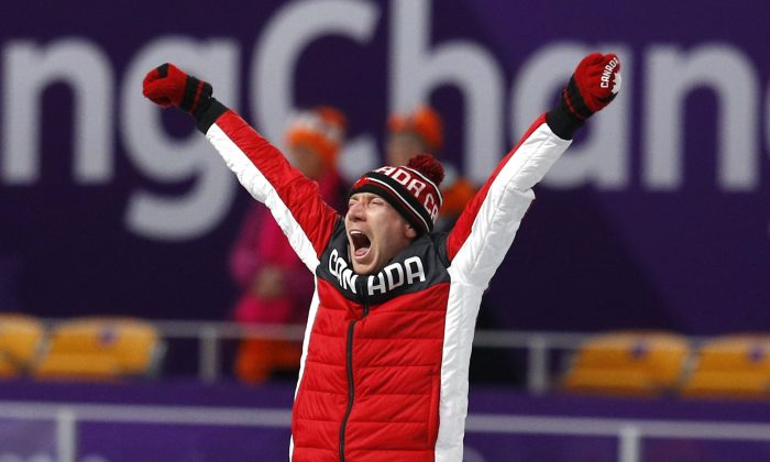 Speedskater Bloemen wins 10000-metre gold in Olympic-record time