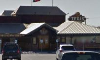 Masked Gunman Shoots 4 People, Including 6-Year-Old, Outside Texas Roadhouse