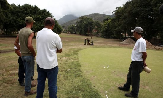 In Chavez-Era Throwback, Venezuela Seizes Part of a Golf Course