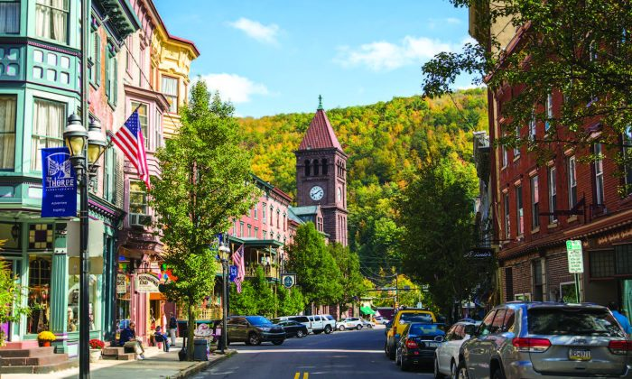 The town of Jim Thorpe in Pennsylvania in this file photo. Access to capital for Main Street businesses is a challenge due to existing regulatory overhang, say experts. (SAMIRA BOUAOU/THE EPOCH TIMES)