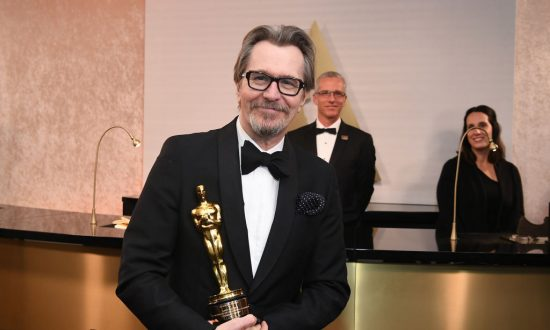 Gary Oldman Wins Best Actor Oscar for 'Darkest Hour'
