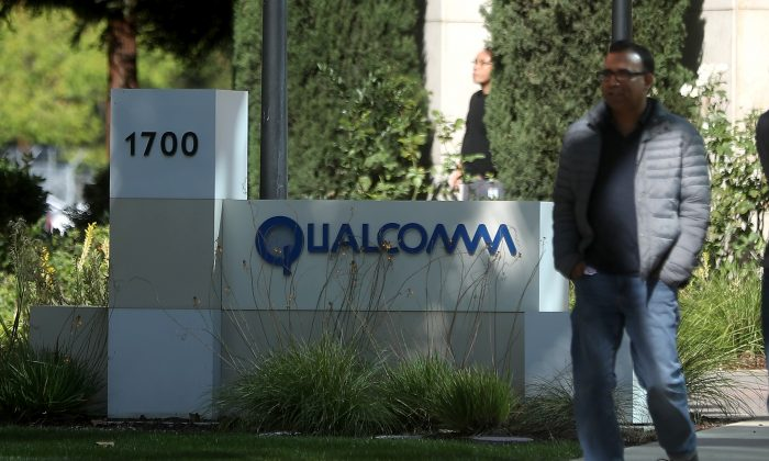 US Calls Broadcom's Bid For Qualcomm a National Security Risk