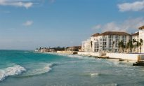 US Bans Government Employees From Travel to Mexican Beach Resort