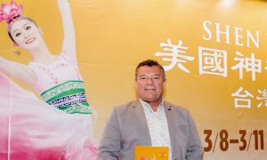 Theatergoer Finds Shen Yun 'Very Happy, Very Inspiring'
