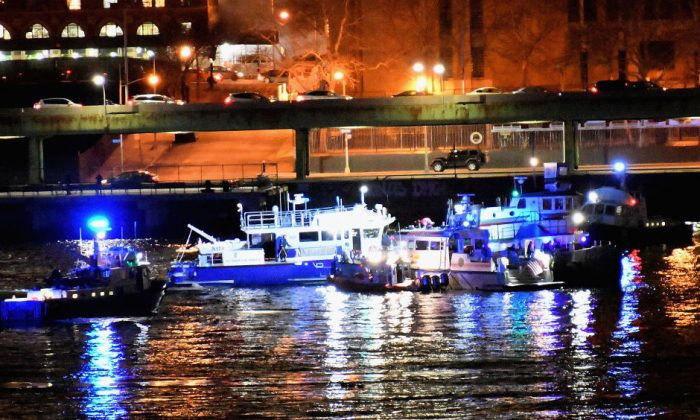 A helicopter crashed into New York City's East River on March 11, 2018, in New York City. (Dimitrios Kambouris/Getty Images)