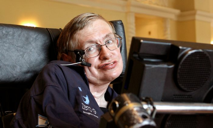 British physicist Stephen Hawking answers questions during an interview in Orlando, Florida April 25, 2007. (Reuters/Charles W Luzier/File Photo)
