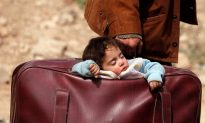 Thousands Flee in First Mass Exodus From Syria's Besieged Eastern Ghouta