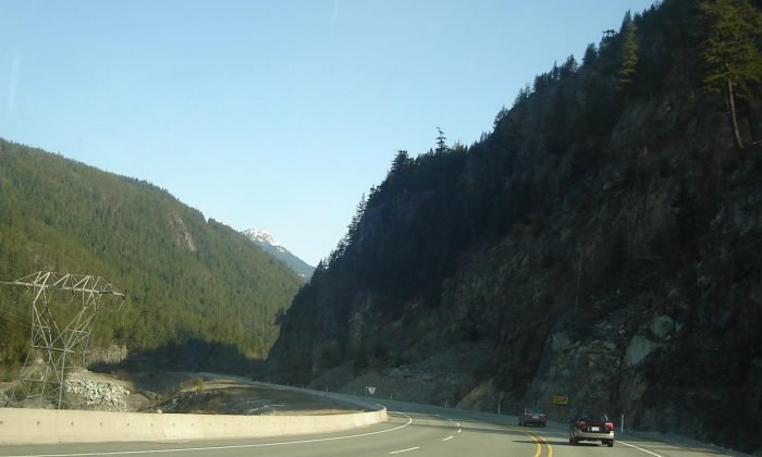 Highway 99 north of Squamish, B.C. (Gerdel/Public domain)