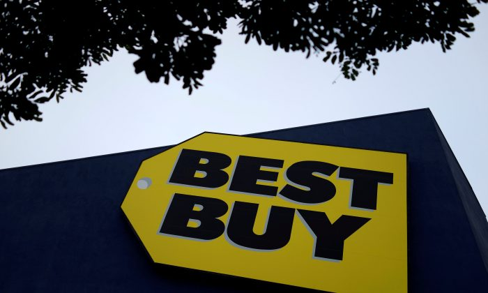 A Best Buy store is seen in Los Angeles, California, on March 13, 2017. (Reuters/Lucy Nicholson/File Photo)