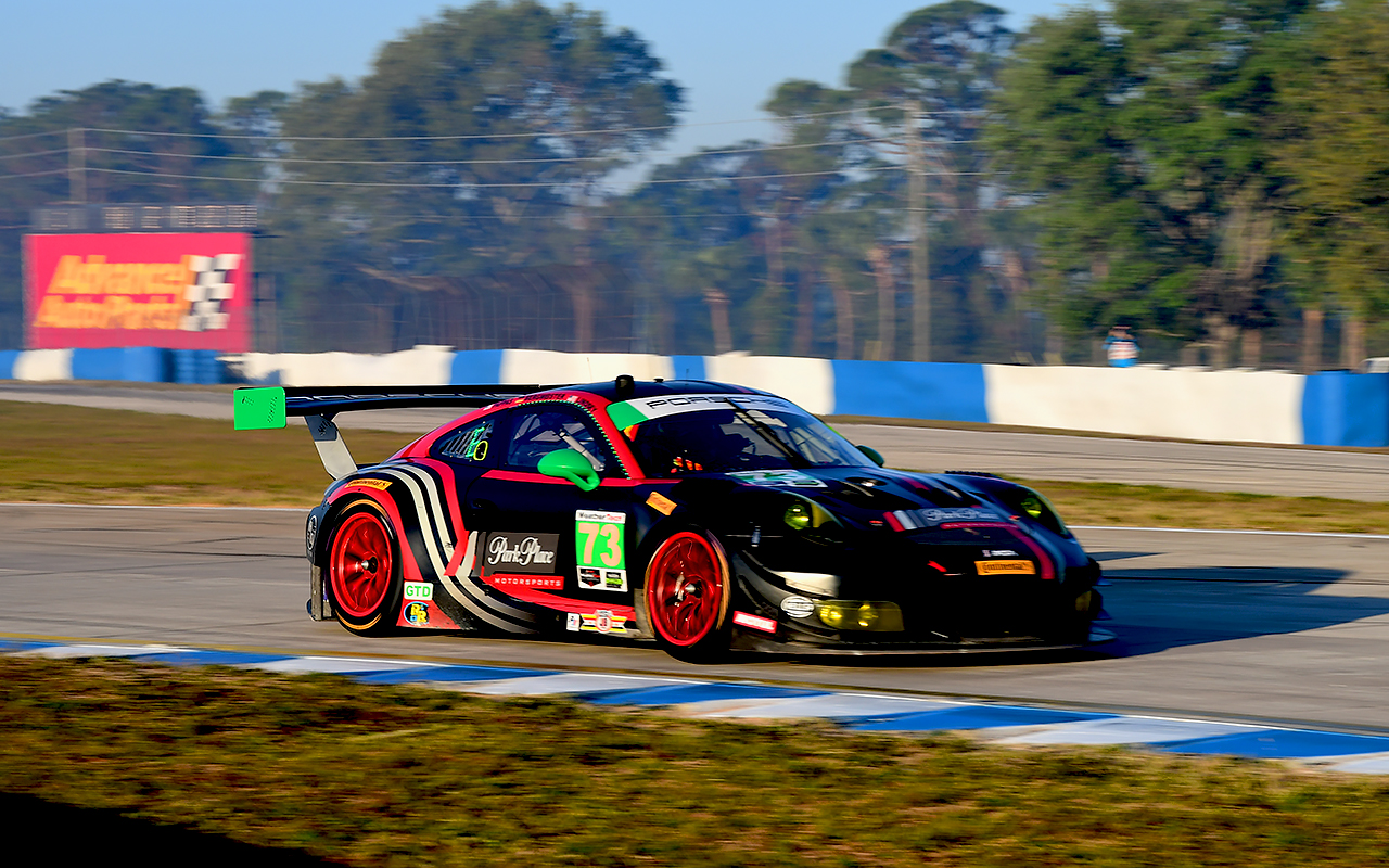 The park place Porsche finished a somewhat disappointing ninth in class, but it looked good doing it. (Bill Kent/Epoch Times)