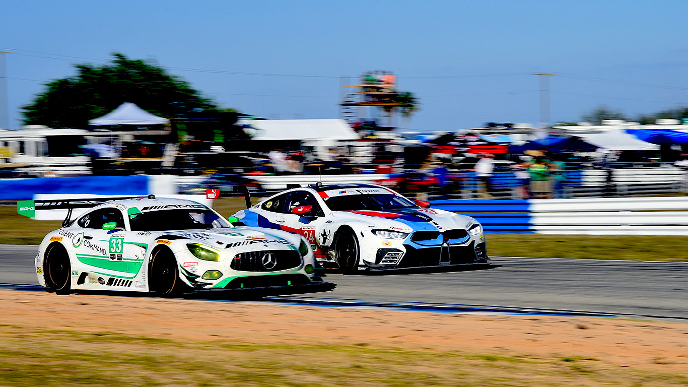 The GT Le Mans and GT Daytona classes provided fans with 12 hours of constant action. (Bill Kent/Epoch Times)
