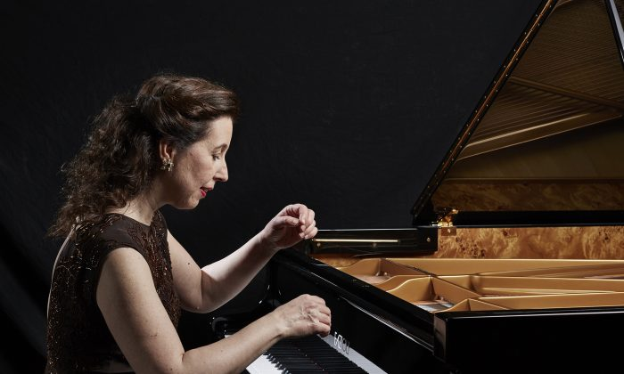Angela Hewitt, a recipient of the 2018 Governor General's Performing Arts Awards for a lifetime of achievement in the arts, will be performing music by Bach in two concerts during the 2018 Ottawa Chamberfest taking place from July 26 to Aug. 9. (Keith Saunders)