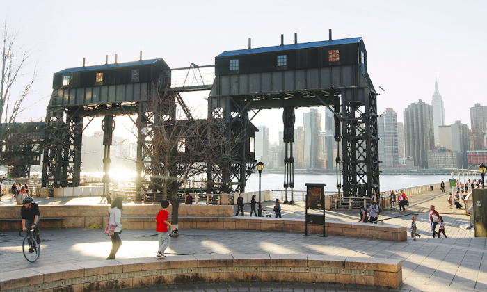 Gantry Plaza State Park in Long Island City offers great views of the Manhattan skyline. (Clay Williams)
