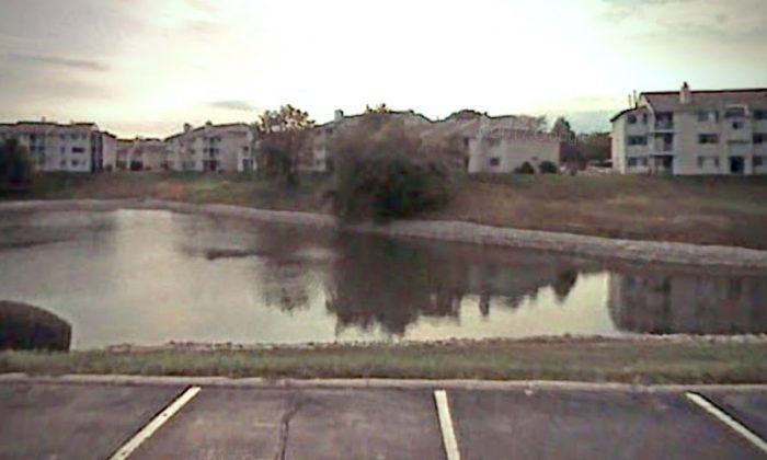 Core Riverbend Apartments in Indianapolis, Indiana, where a man drowned trying to save his daughter. (Screenshot via Google Maps)