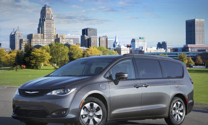 2018 Chrysler Pacifica Hybrid. (Courtesy of Fiat/Chrysler)
