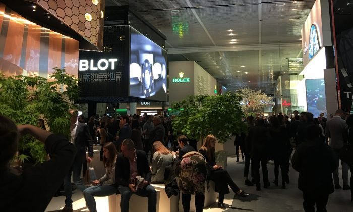 The main floor of the BaselWorld 2018. (Isabelle Kellogg)