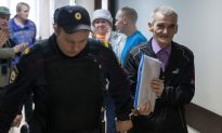 Russian Historian Who Exposed Stalin's Crimes Cleared of Child Pornography