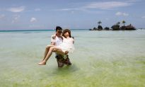Philippines' Boracay Workers Appeal for Aid After Island Closed for Rehabilitation