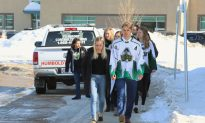 Hockey Moms Urge Canadians to Join Jersey Day: 'We Are All One Team'