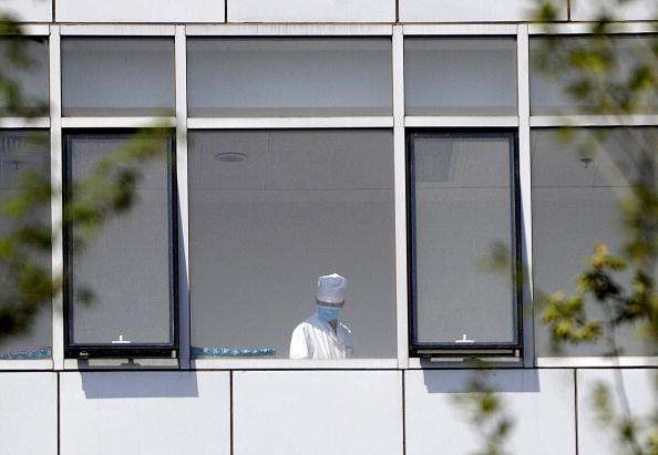 A doctor in one of the buildings at Beijing Ditan Hospital on May 3, 2009.
