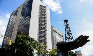 Under Military Rule, Venezuela Oil Workers Quit in a Stampede
