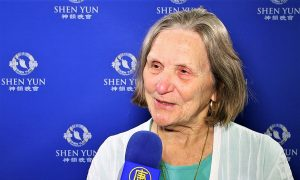 Retired Theater Producer and Director: Shen Yun Artists Are Exquisite