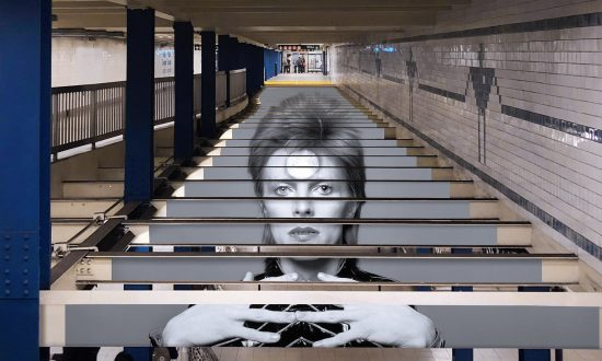 David Bowie  NYC  'Subway Takeover' Gives Fans a Chance to Reminisce