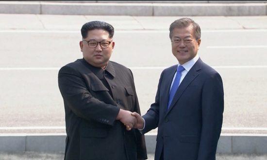 Leaders of Two Koreas Shake Hands, Begin Historic Summit at DMZ