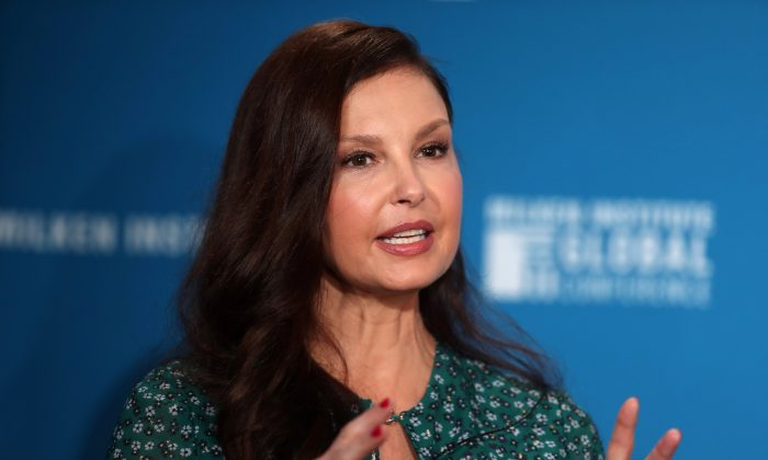 Actress Ashley Judd speaks at the Milken Institute's 21st Global Conference in Beverly Hills, California, U.S. April 30, 2018. (Reuters/Lucy Nicholson)