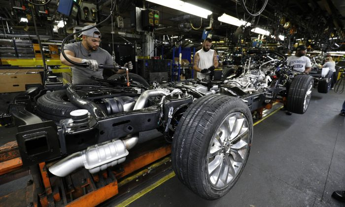 The all-new 2018 Ford Expedition SUV goes through the assembly line at the Ford Kentucky Truck Plant  in Louisville, Kentucky on Oct. 27, 2017. (Photo by Bill Pugliano/Getty Images)