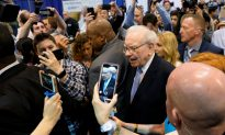 Buffett's Berkshire Swings to Rare Loss but Performs Better