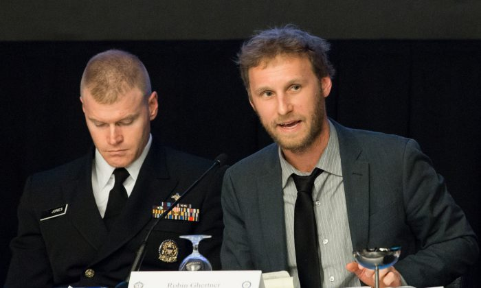 Robin Ghertner (R), director of data and technical analysis in the Department of Health and Human Services's office of human services policy, and Chris Jones, director of mental health and substance use policy, SAMHSA, at the 2018 Opioid Roundtable hosted by the National Sheriffs Association and the Daniel Morgan Graduate School of National Security, in Washington on May 3, 2018. (Charlotte Cuthbertson/The Epoch Times)