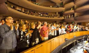 Shen Yun Debuts to Full House in Palm Desert