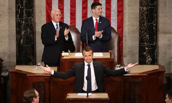 Macron Gains Stature With Visit to Washington