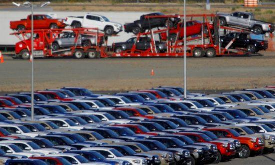 NAFTA talks drag on as US, Mexico spar over autos