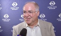 Business Owner Finds His Experience at Shen Yun Inspirational and Uplifting