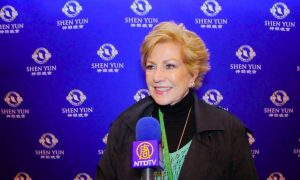 Shen Yun Opens on Mexico City to a Packed House