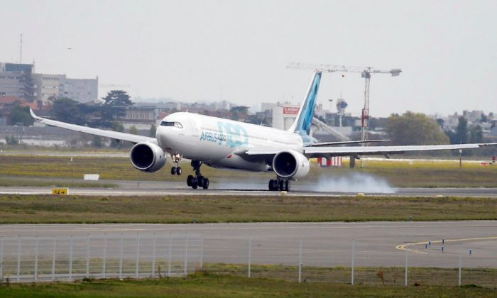An Airbus A330neo aircraft lands during its maiden flight event in Colomiers near Toulouse, France, Oct. 19, 2017. (REUTERS/Regis Duvignau/File Photo)