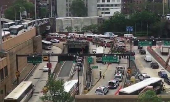 2 Buses Crash in New York's Lincoln Tunnel: 34 Injured, 7 Badly