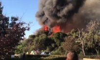 Bushfire Burns Close to Homes in Western Australia