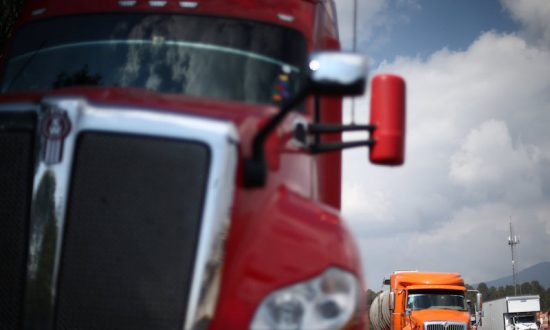 Mexican Truckers Travel in Fear as Highway Robberies Bleed Economy