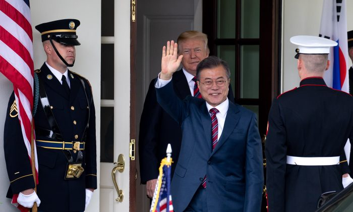 President Donald Trump welcomes Moon Jae-in, President of the Republic of Korea, at the White House in Washington on May 22, 2018. (Samira Bouaou/The Epoch Times)